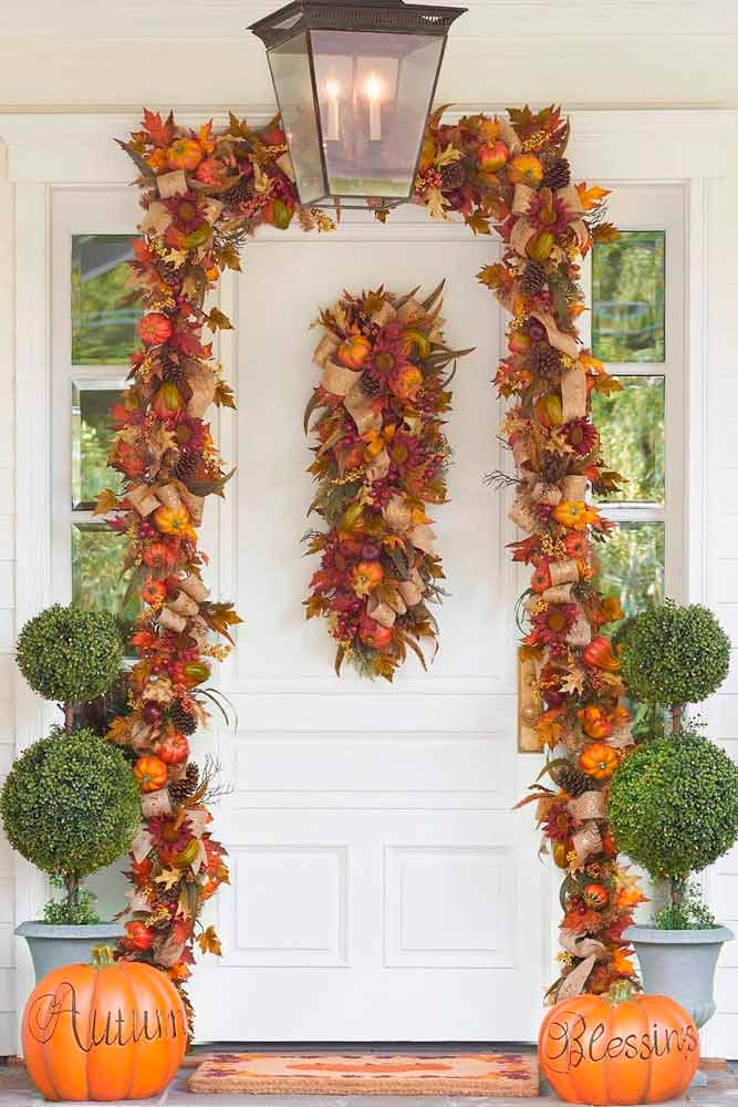 Porch Decoration With Leaves And Pumpkins #outdoordecor #porchdecor