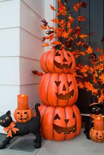 Scary Pumpkin Topiary #halloweendecoration #falloutdoor #outdoordecoration