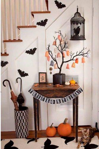 Spooky Home Décor For Halloween #halloweendecoration #spookyhomedecor
