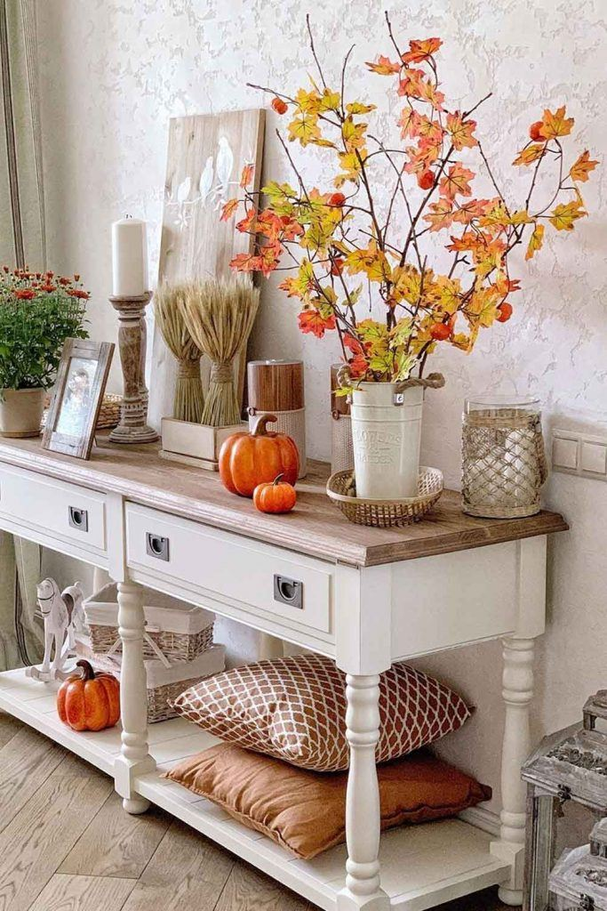 Cozy Decorations With Fall Leaves