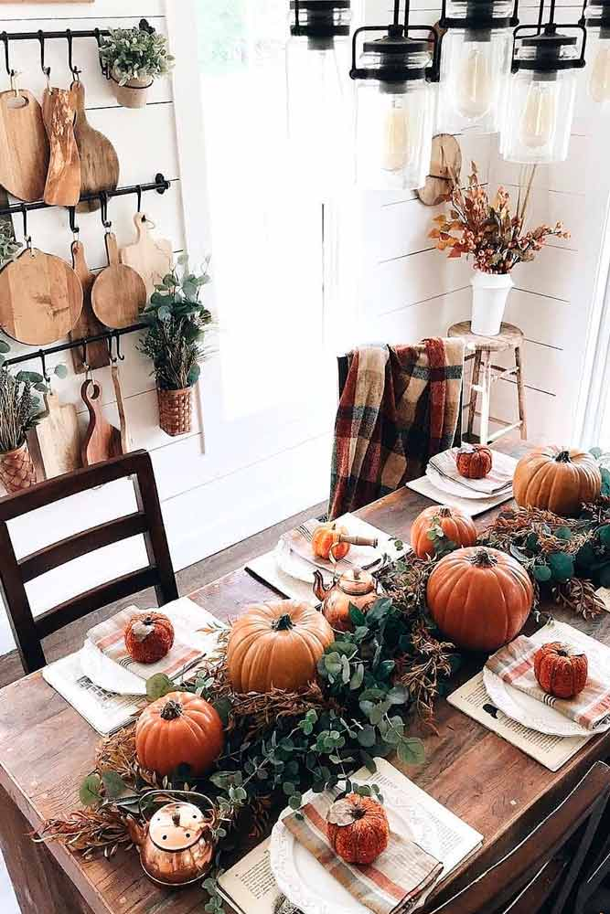Greenery Seasonal Centerpiece #pumpkinshomedecor #fallcenterpiece