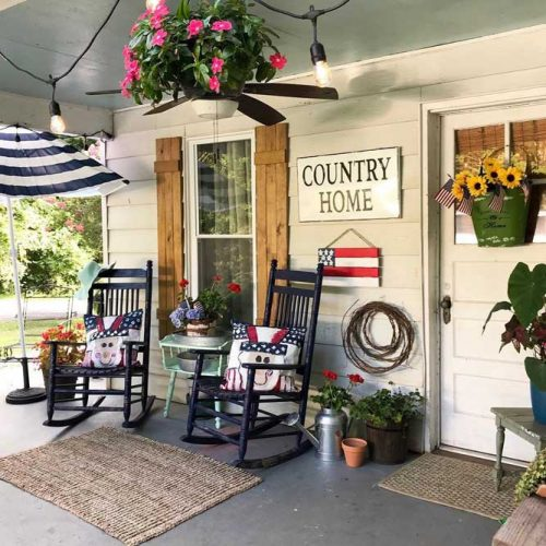 Summer Front Porch Décor With 4th Of July Theme #summer #4thofjuly