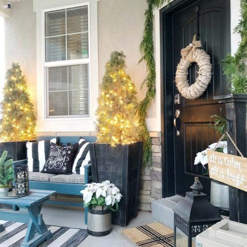 Winter Front Porch Décor With Lights #winter #christmas #lights
