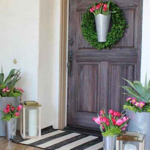 Spring Front Porch Décor With Galvanized Metal Flowers Pots #flowers #spring