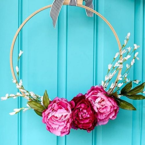 Spring Wreath For Front Porch Decor #flowers #spring
