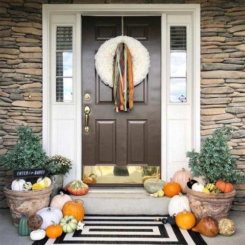 Fall Pront Porch Decor Idea #ribbonwreath