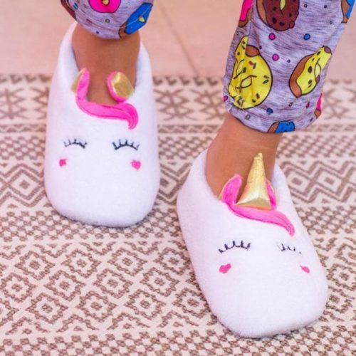 Unicorn Slippers Gift Idea #slippersgift #unicorn