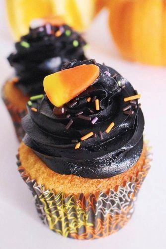 Black Butter Candy Corn Halloween Cupcake #blackbutter #candycorn