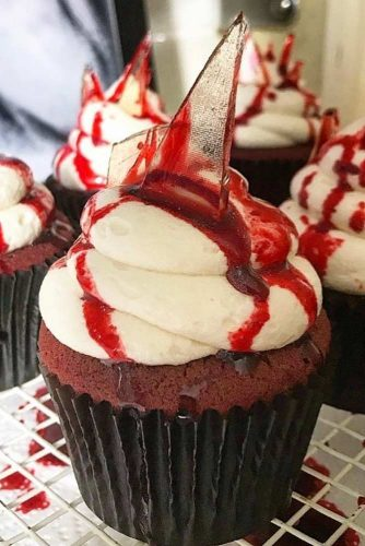 Classic Red Velvet Cupcakes With A Spooky Twist #bloody #spookytwist