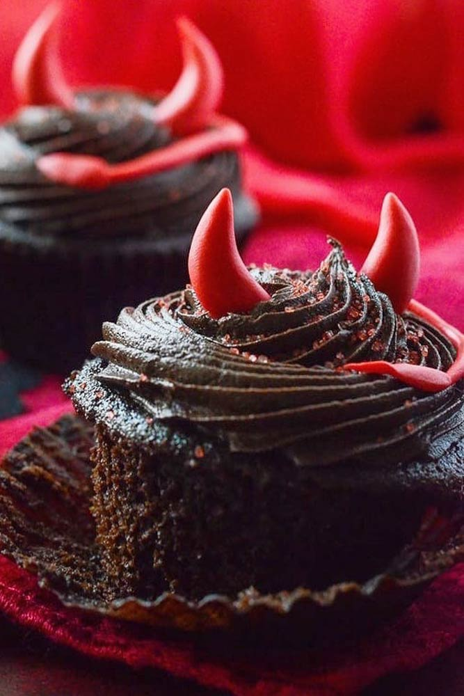 Devil Halloween Cupcake Idea #devilishdessert