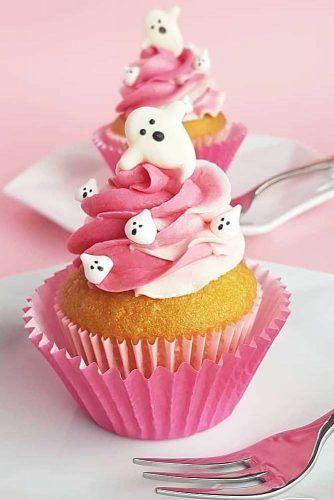 Pink Cute Halloween Cupcakes #ghost #pinkcupcakes