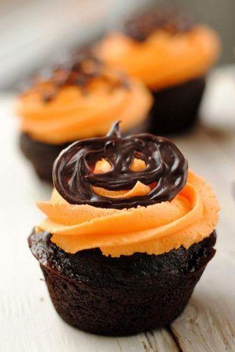 Jack O Lantern Halloween Cupcake #jackolantern
