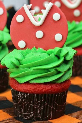 Little Shop Horrors Cupcake Idea #littleshophorrors