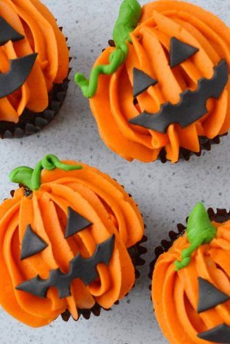 Jack O'Lantern Halloween Cupcakes