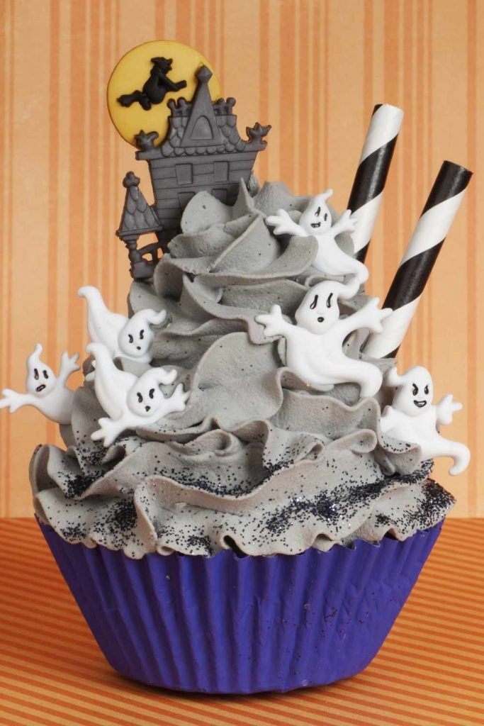 Small Ghosts for Cupcakes