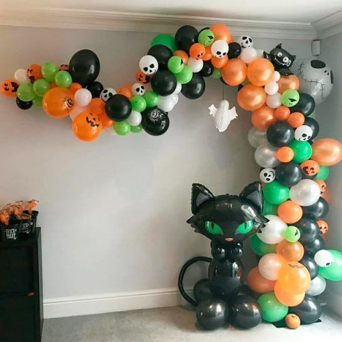 Balloon Garland #balloongarland #party #halloween