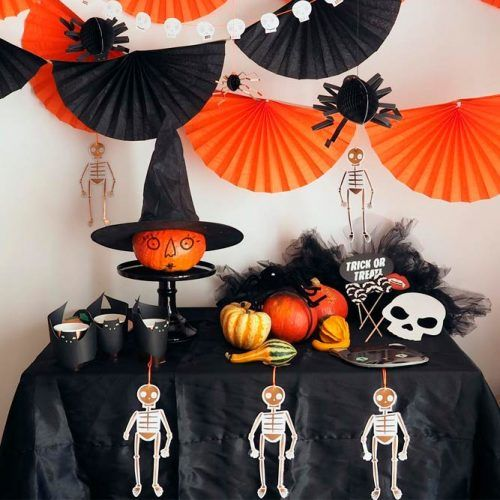 DIY Paper Halloween Party Decor #diydecor #halloweendecor #decoration
