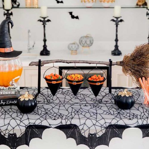 Witches Party Table Decor #party #halloween