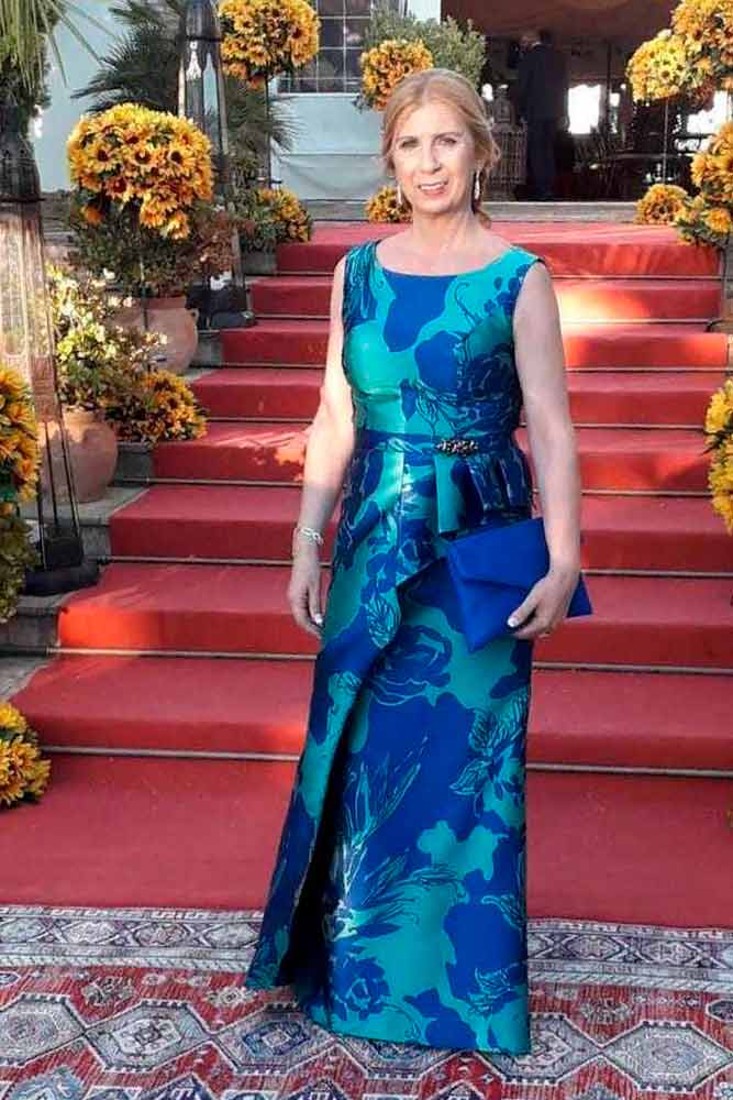 Scoop Neck Dress With Bright Floral Print #stylisheveningdress #longdress