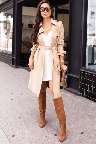 Classy Beige Trench Coat For Formal Look #beigetrenchcoat