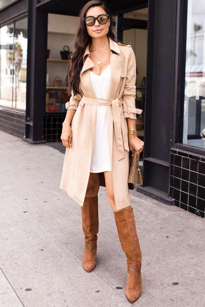Classy Beige Trench Coat For Formal Look #beigetrenchcoat