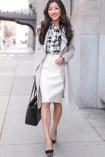 Light Gray Trench Coat For Business Look #lightgray #classictrench