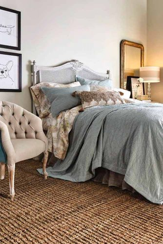 French Country Bedroom With Some Сontemporary Accents #bedroomdecor #stylishbedroomdecor