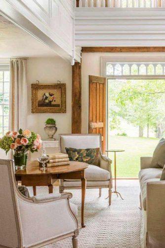 Refined Rustic Style #rusticlivingroom #rustichomedecor