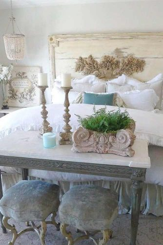 Vintage French Country Bedroom Décor #oldworlddecor #bedroomdecor