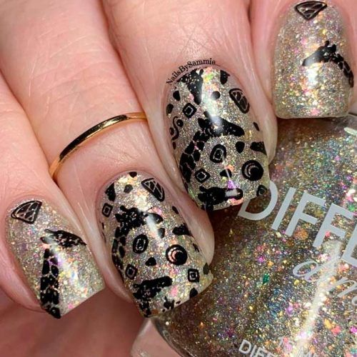 Holographic Base With Animal Stamping #goldnails #stampingnails