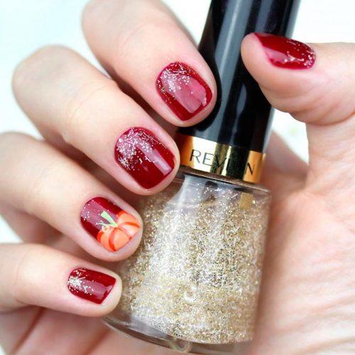 Pumpkin Nail Art In Glitter Ombre Nails #glitternails #fallnails