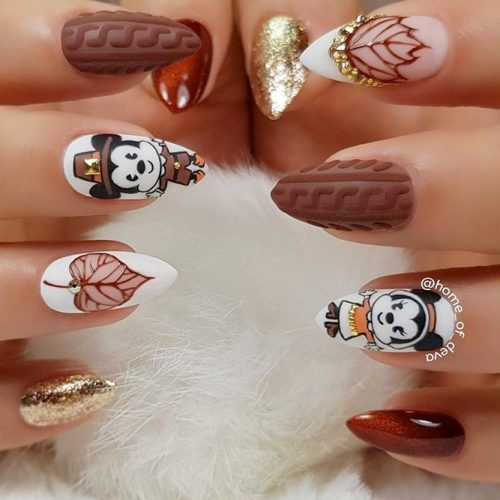 Cartoon Mice Pilgrims #fallnails #rhinestonesnails