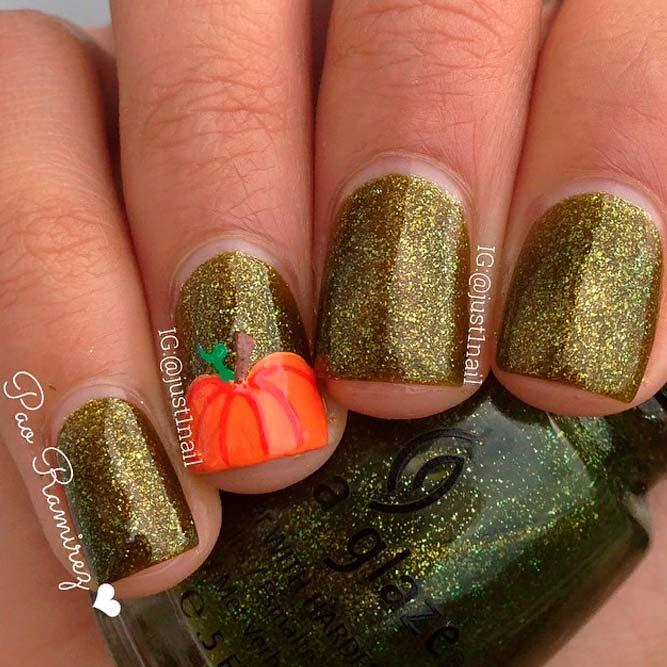 Pumpkin Accent On Sparkly Base #glitternails #fallnails