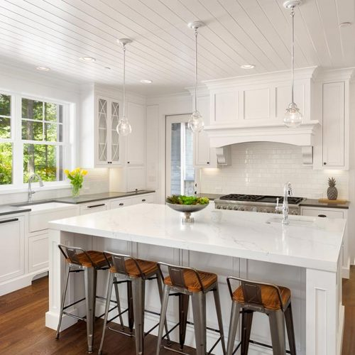 Classic Kitchen With Unique Accented Cabinets #homedecor #stylishhome #classickitchen