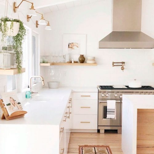Contemporary White Kitchen With Gold Accents #homedecor #stylishhome #contemporarykitchen
