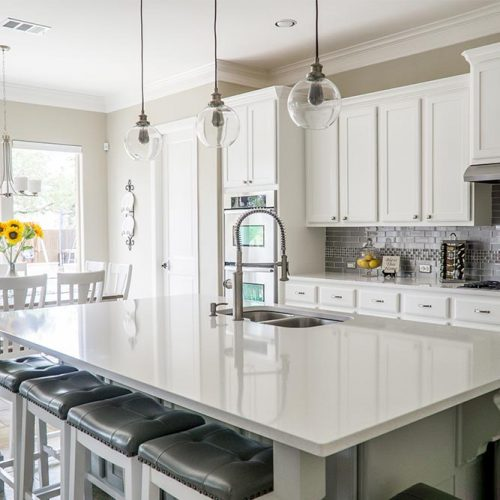 White And Neutral Combination For A More Fashionable Style #homedecor #stylishhome #classickitchen