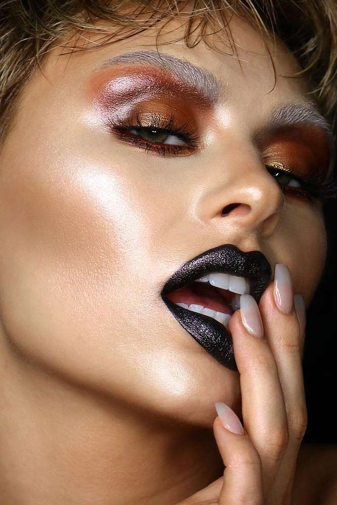 Grunge Makeup With Glossy Eyeshadow #glossyeyeshadow