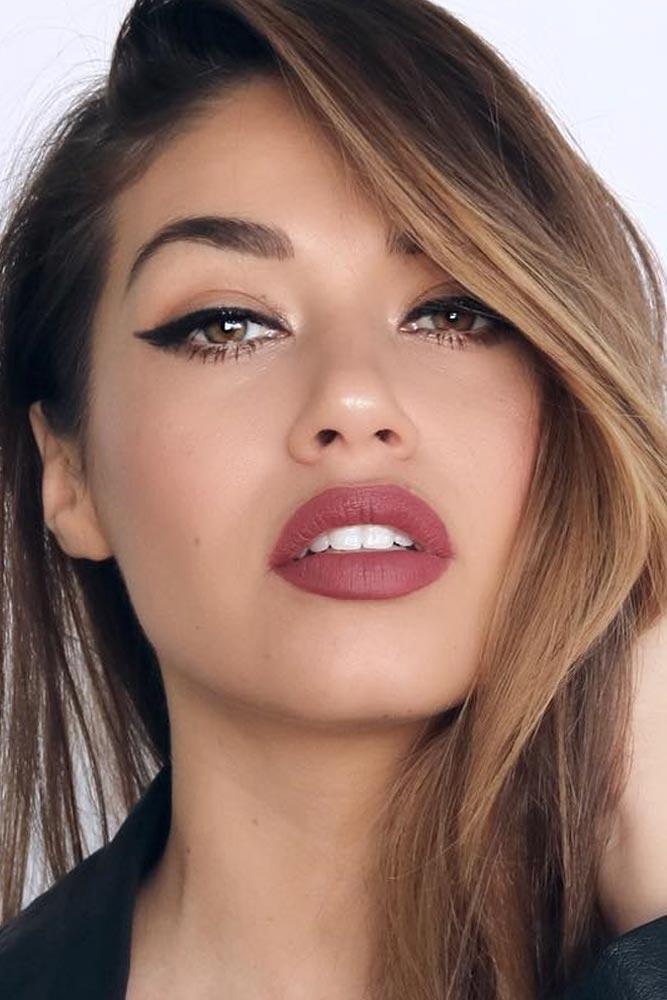 Black Eyeliner With Nude Lips #blackeyeliner #nudelips