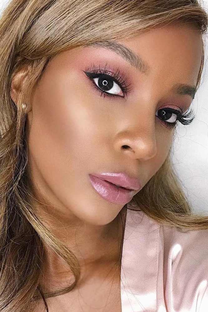 Pink Glitter Eyeshadow With Frozen Lips #frozenlipstrend