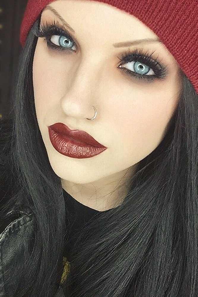 Grunge Makeup With Smokey Eyes #redlips #smokey