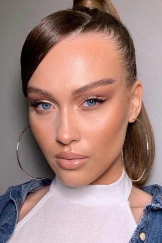 Natural Look With Pin Up Eyeliner #blackeyeliner