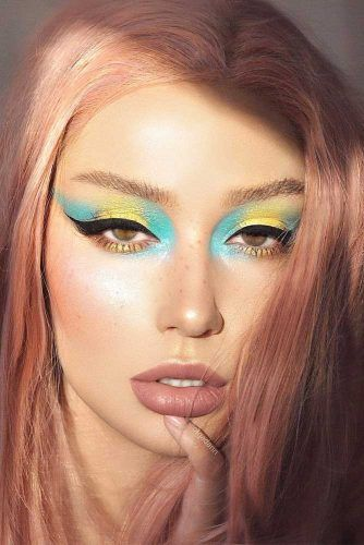 Yellow And Blue Shadow With Black Eyeliner #nudelips