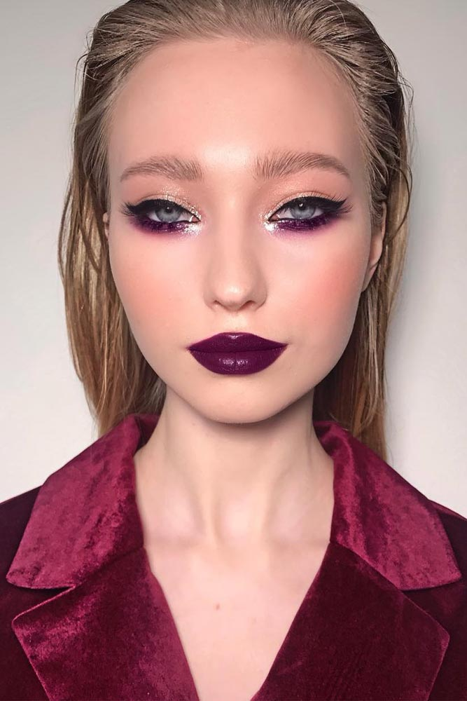 Bold Purple Lipstick For 90s Makeup Trend #purplelipstick