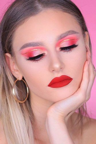 Red Lips With Pink And Orange Glitter Shadow Makeup Idea #glittershadow