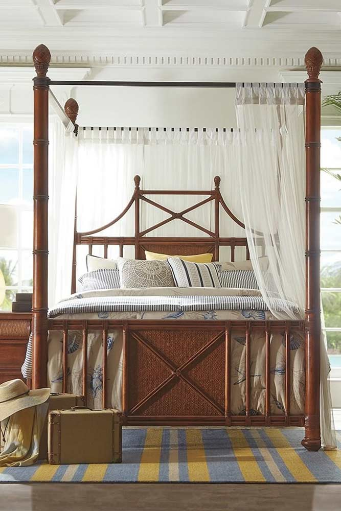 Classic Wood Canopy With Curtains #classicbed #woodbed