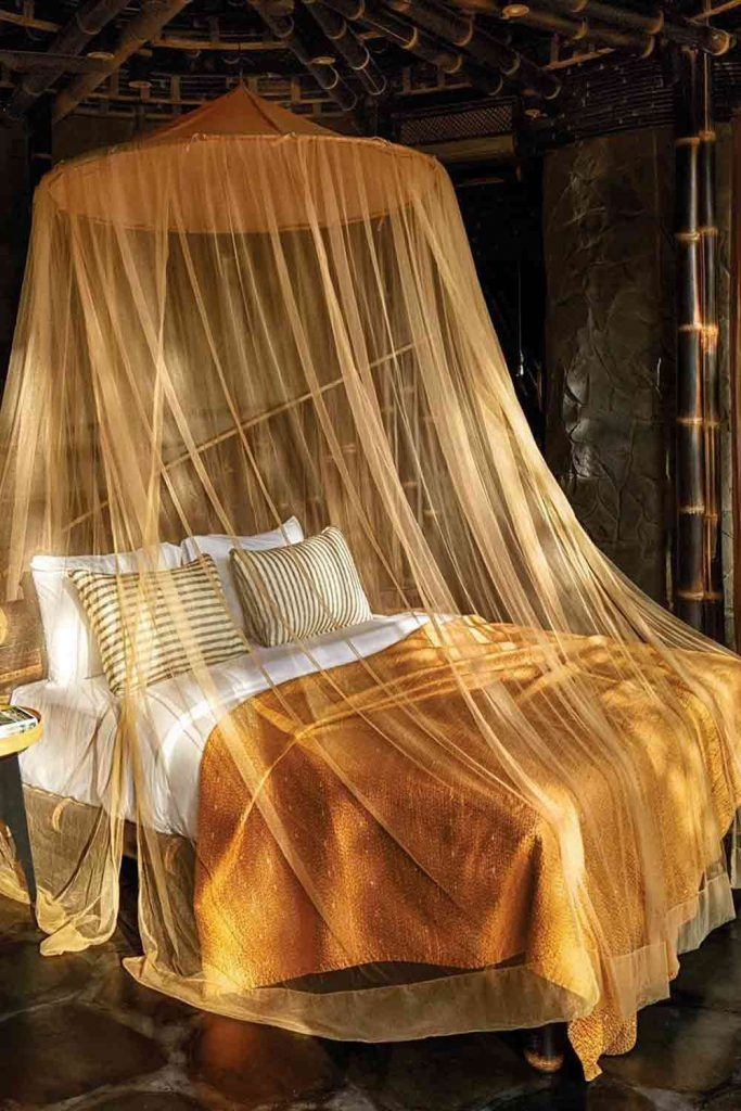 30 Best Canopy Bed Examples To Introduce Into Your Bedroom