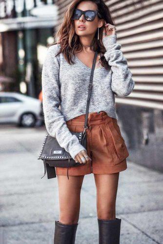 Gray V-neck Cashmere Sweater #vnecksweater #graysweater