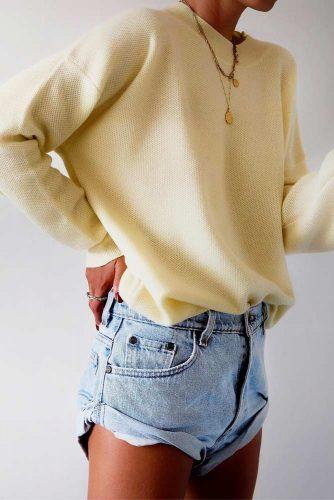 Soft Yellow Cashmere Sweater #yellowsweater #oversizesweater
