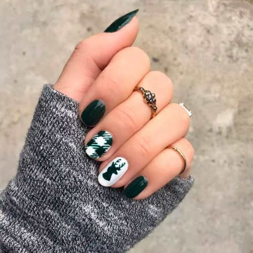 Emerald Green Gingham Nail Art #winternails #greennails