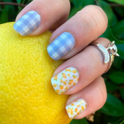 Pale Grey Gingham With Citrus Pattern #greynails #shortnails